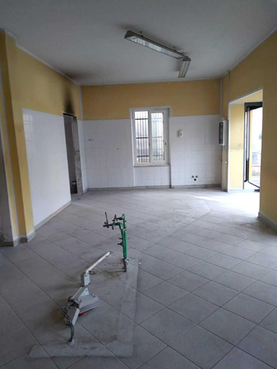 Capannone in affitto a Castelnuovo Magra, 3 locali, prezzo € 1.100 | PortaleAgenzieImmobiliari.it