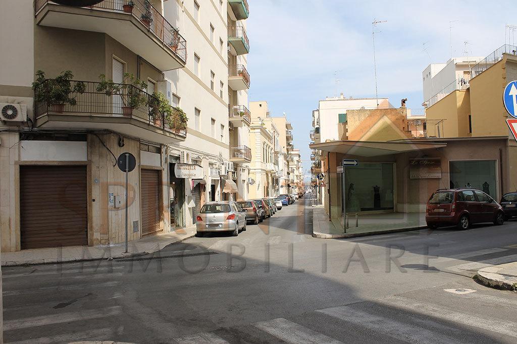 Locale commerciale - 1 Vetrina a Centrale, Monopoli Rif. 9240035