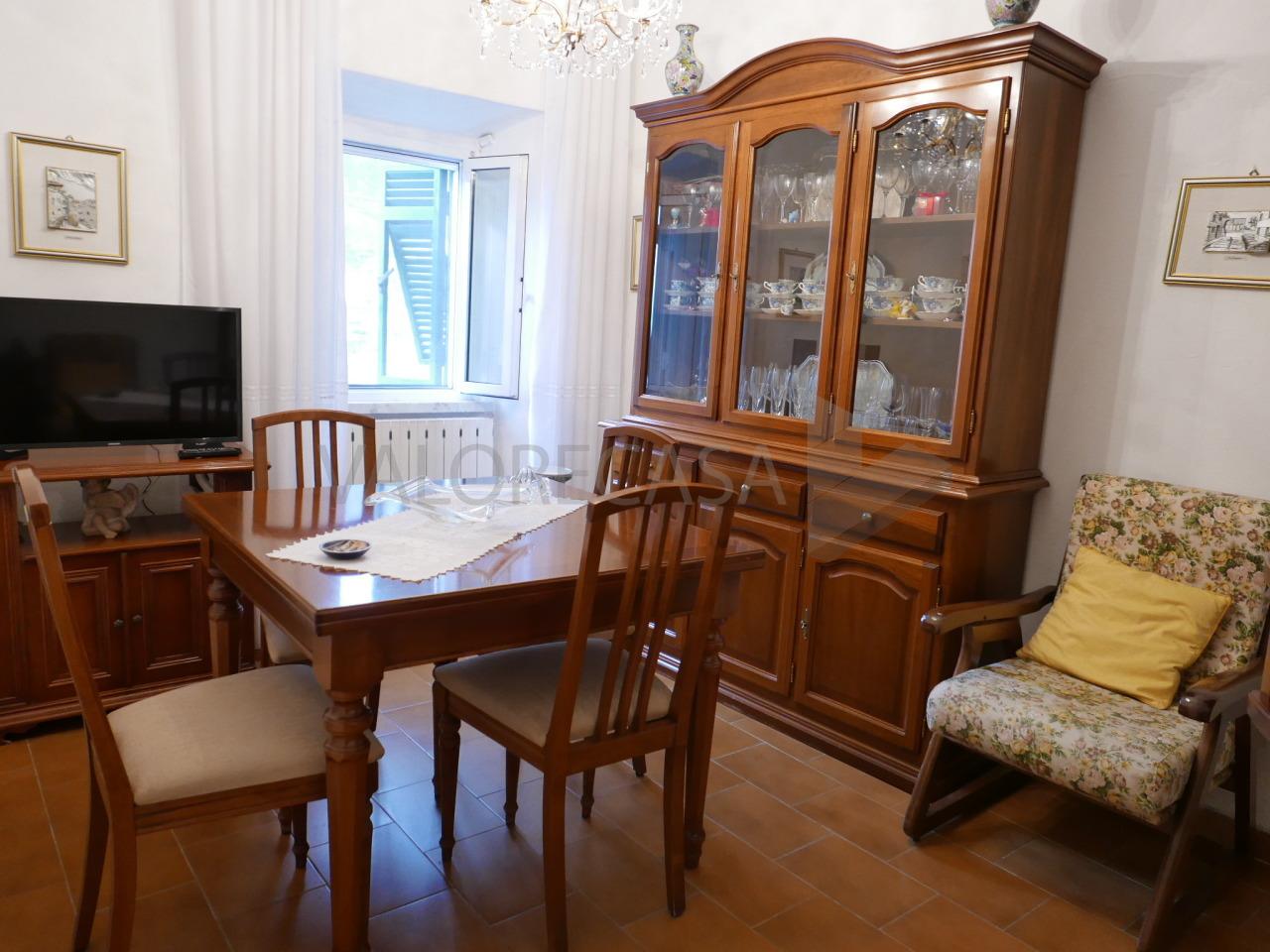 Porzione di casa in ottime condizioni in vendita Rif. 7082156
