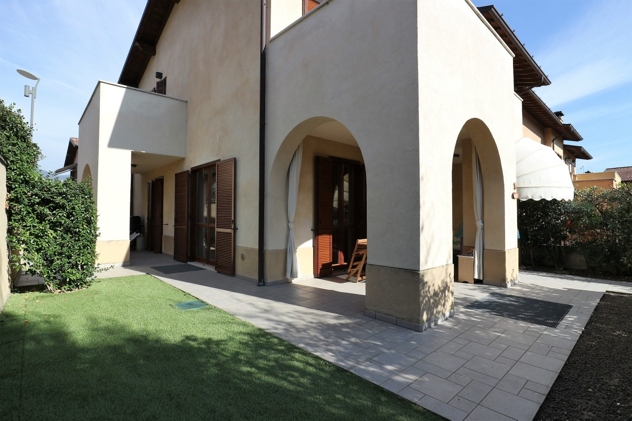 Semindipendente - Villa a schiera a Corte Franca