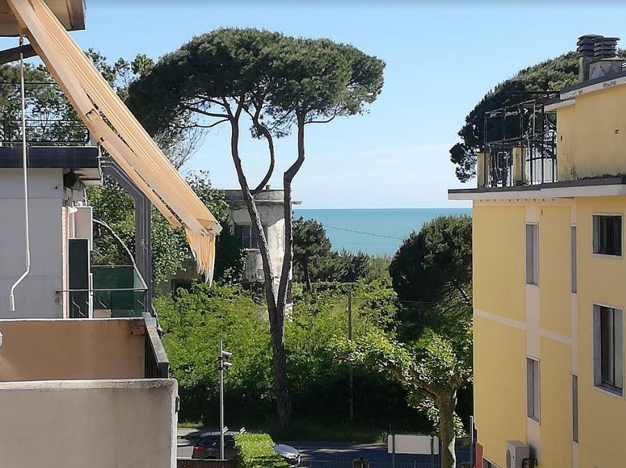 Appartamento in vendita a Sarzana, 3 locali, prezzo € 120.000 | PortaleAgenzieImmobiliari.it