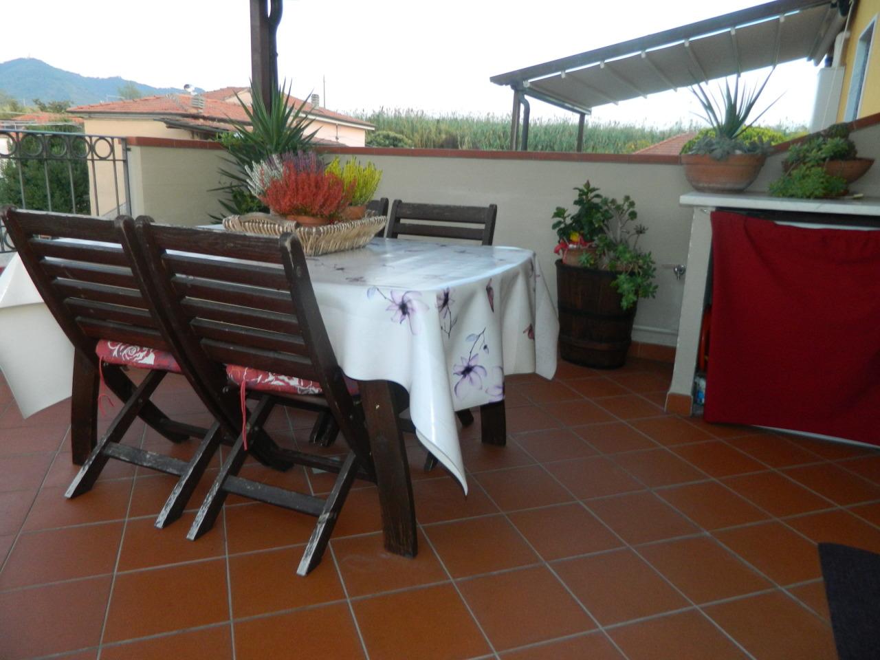 Appartamento in ottime condizioni in vendita Rif. 9650539