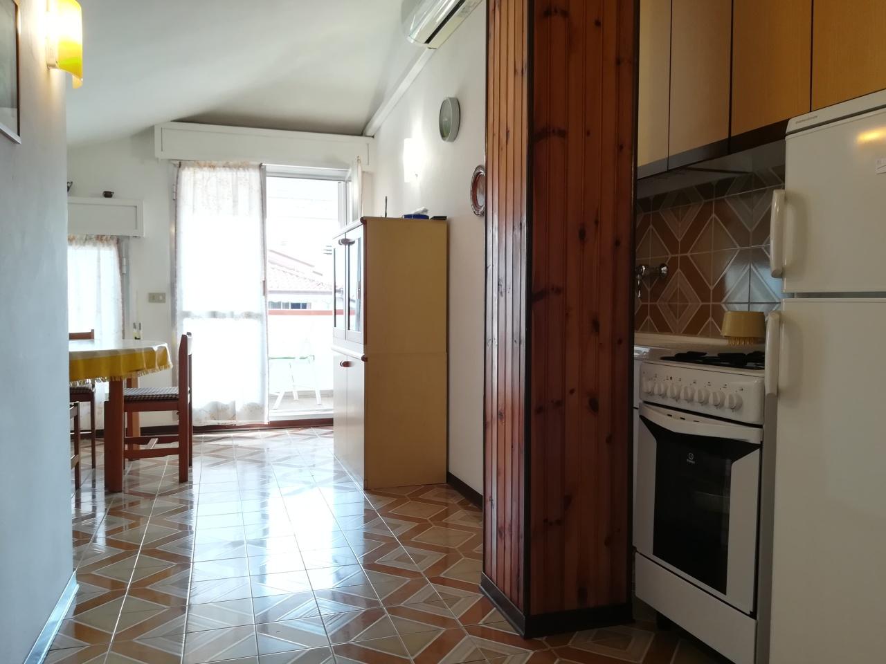 Attico / Mansarda in vendita a Ameglia, 2 locali, prezzo € 125.000 | PortaleAgenzieImmobiliari.it