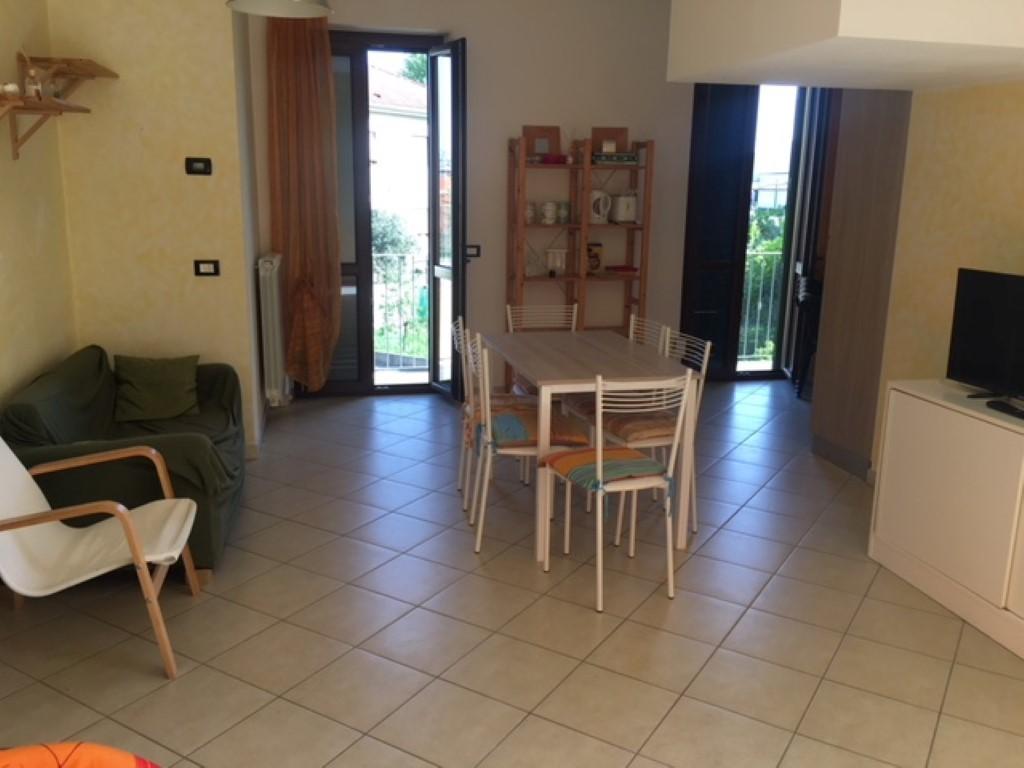Appartamento in ottime condizioni arredato in vendita Rif. 9630153