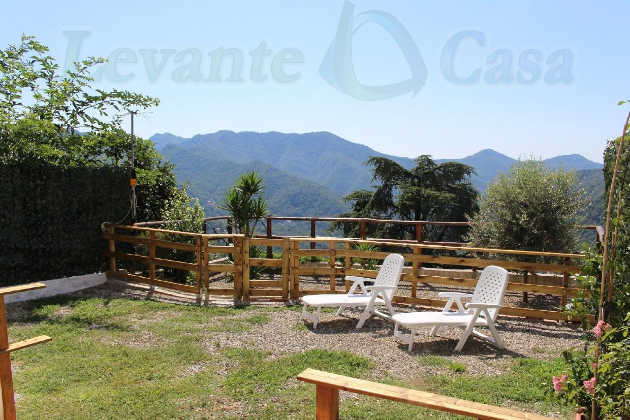 Appartamento in vendita a Uscio, 4 locali, prezzo € 98.000   CambioCasa.it