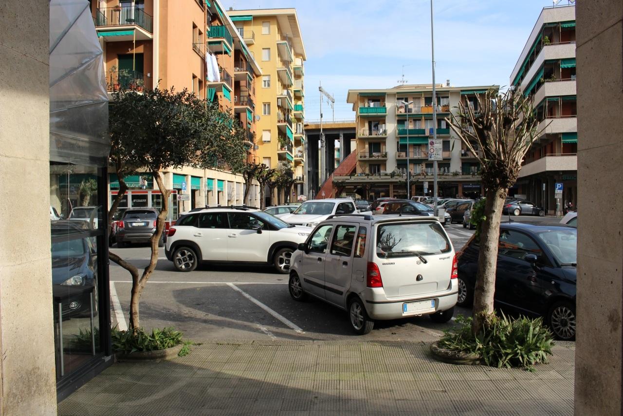 Negozio / Locale in affitto a Recco, 1 locali, prezzo € 530   CambioCasa.it