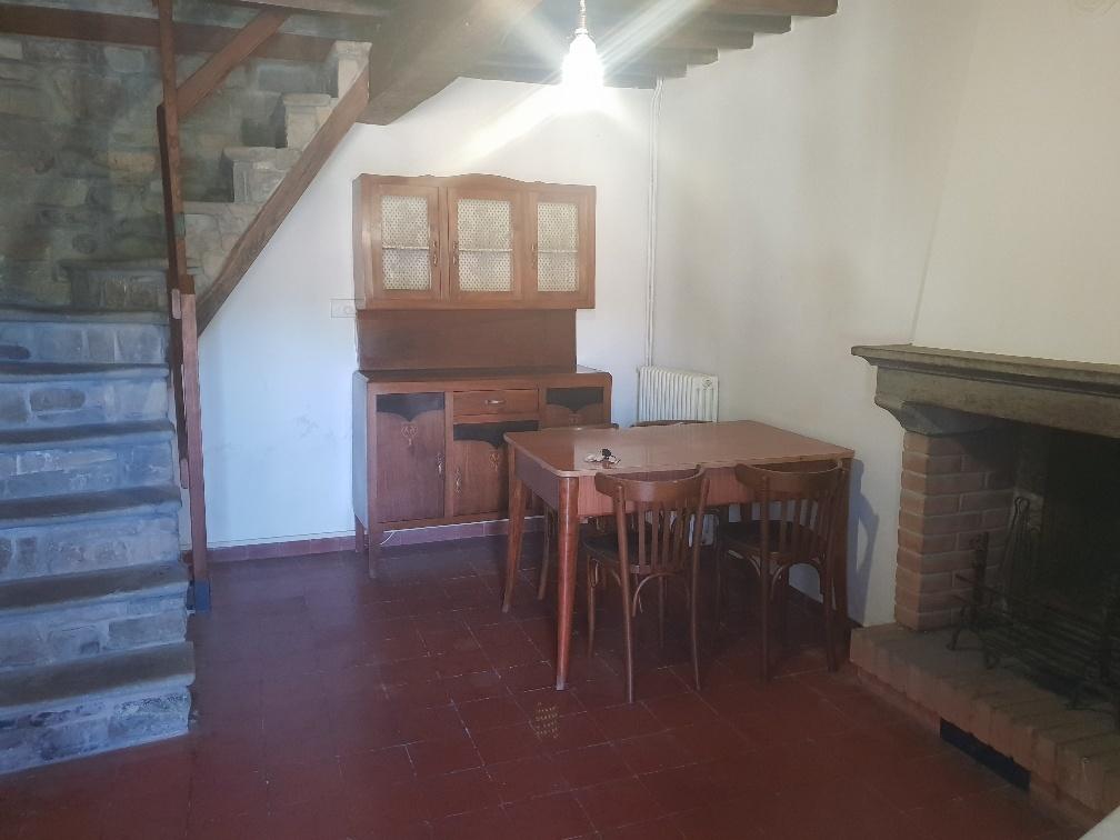 Appartamento in affitto a Varano de' Melegari, 3 locali, prezzo € 380   CambioCasa.it