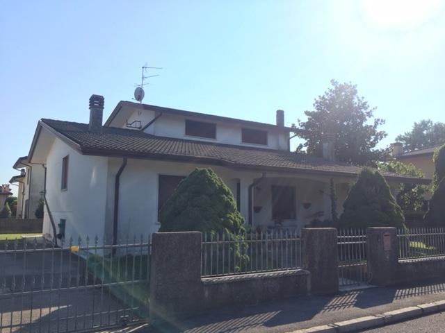 Villa in buone condizioni in vendita Rif. 8908461
