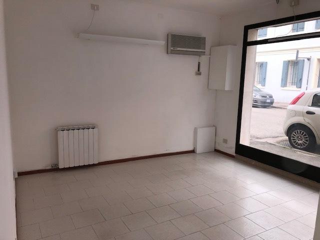 Locale commerciale - 2 Vetrine a Rovigo Rif. 10395468