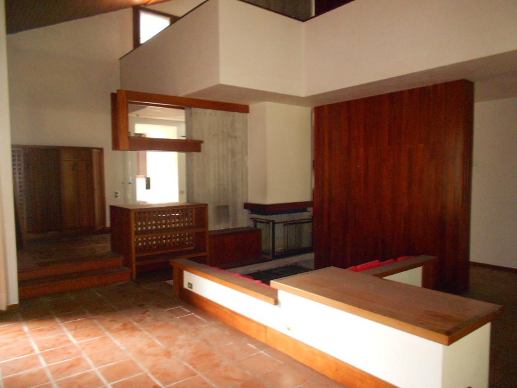 Villa in buone condizioni in vendita Rif. 10781274