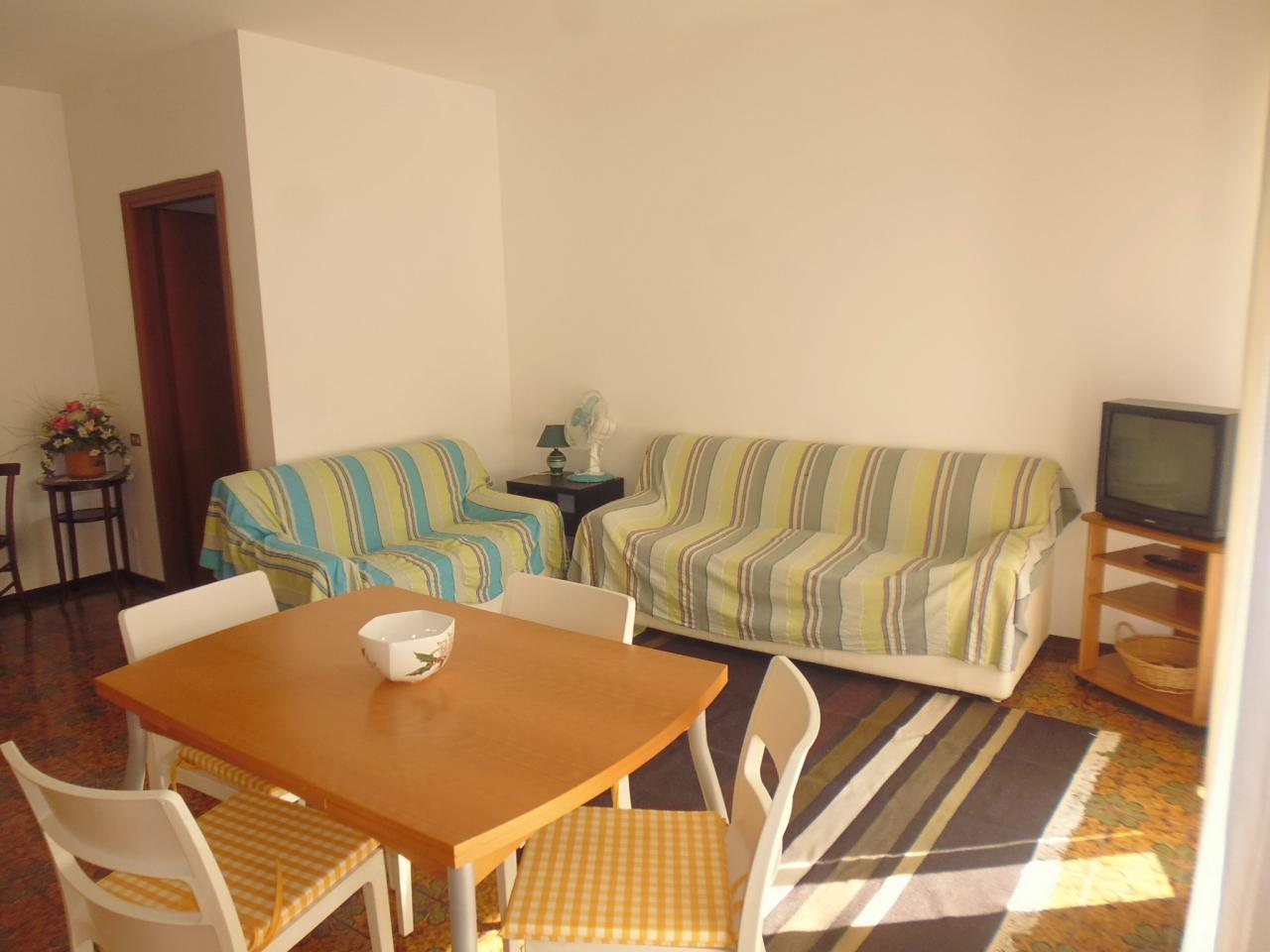 Appartamento in affitto a Sestri Levante, 4 locali, prezzo € 800 | CambioCasa.it