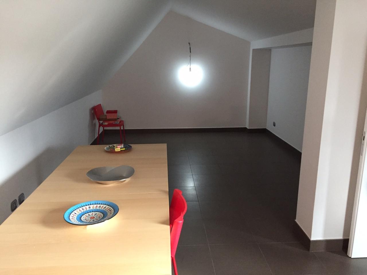 Quadrilocale in ottime condizioni in affitto Rif. 11077286