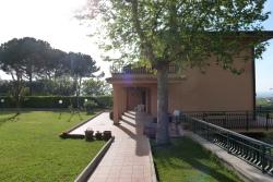 Villa in Vendita a Frascati, 995'000€, 330 m², con Box