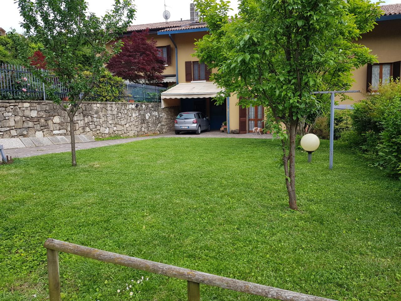 Villetta a schiera in ottime condizioni in vendita Rif. 11519925