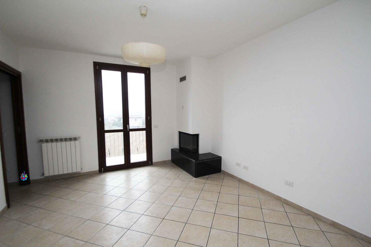 Appartamento in ottime condizioni in vendita Rif. 9594226
