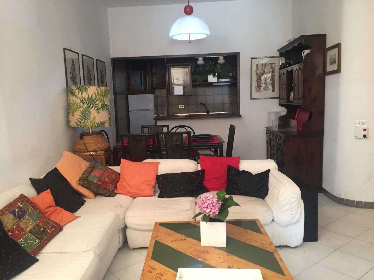 Casa Indipendente in buone condizioni arredato in affitto Rif. 4158622