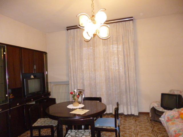 Appartamento da ristrutturare in vendita Rif. 9253987