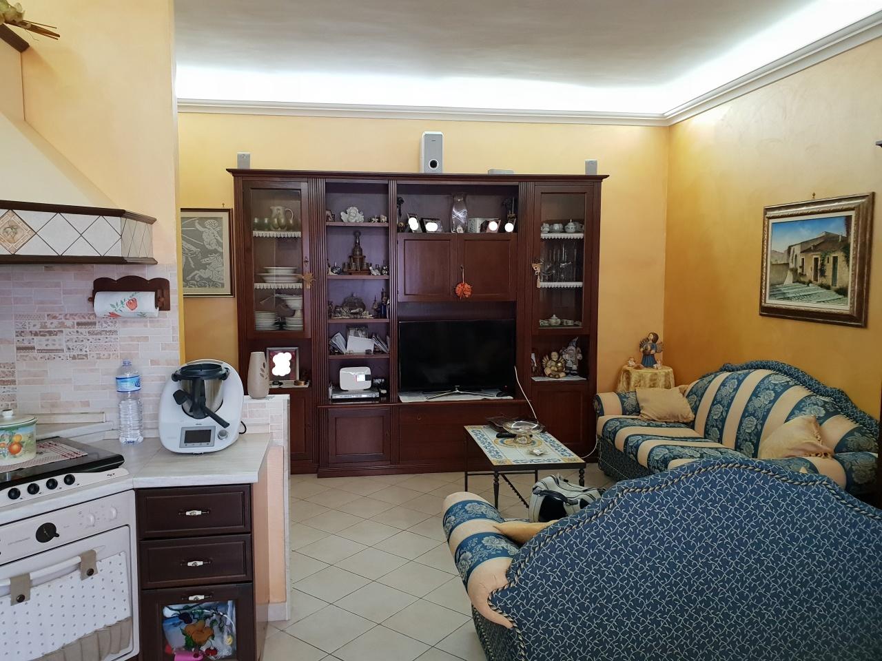 Quadrilocale in buone condizioni in vendita Rif. 9871383