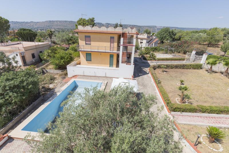 Villa da ristrutturare arredato in vendita Rif. 7955342