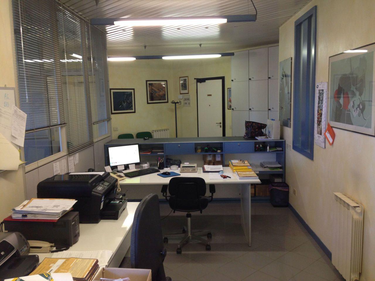 Locali e fondi commerciali - Ufficio a Sarzana