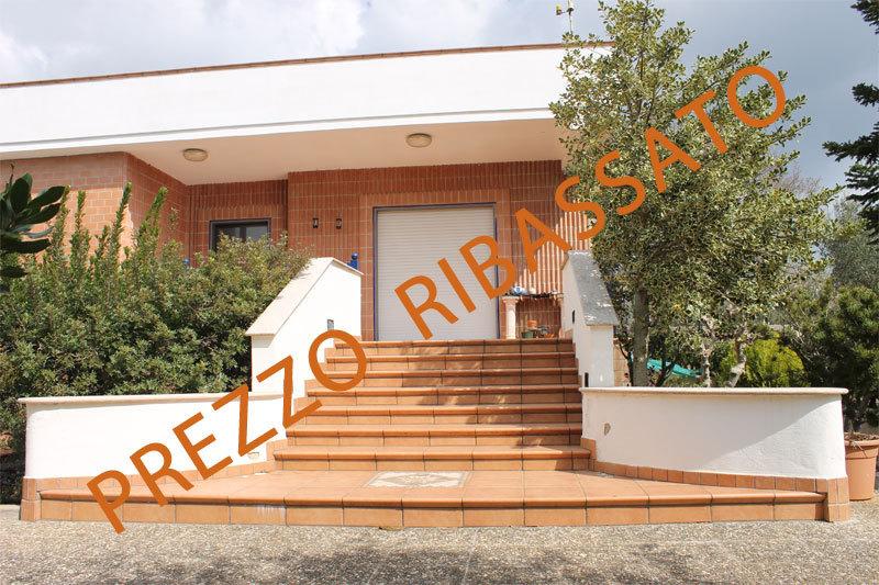 Villa in buone condizioni in vendita Rif. 9240030