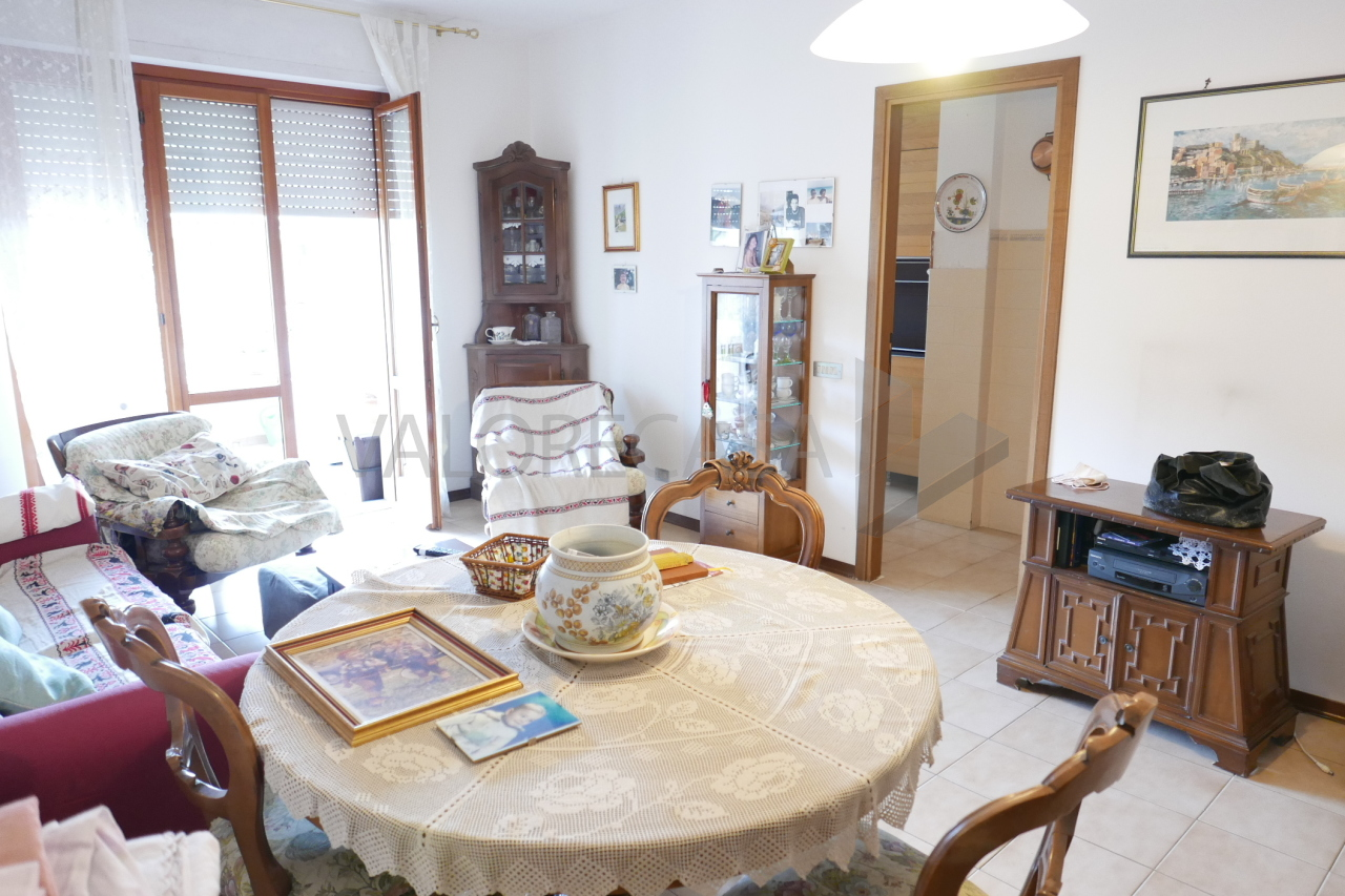 Appartamento - Quadrilocale a Avenza, Carrara