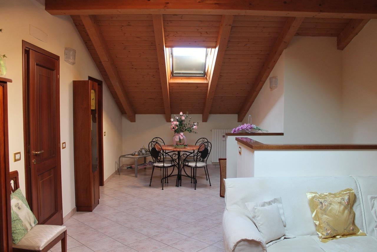 Villetta a schiera in ottime condizioni in vendita Rif. 8921005