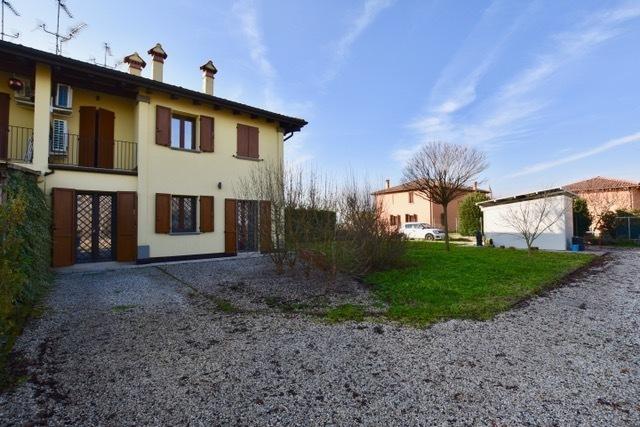 Villetta a schiera ristrutturato in vendita Rif. 11924693