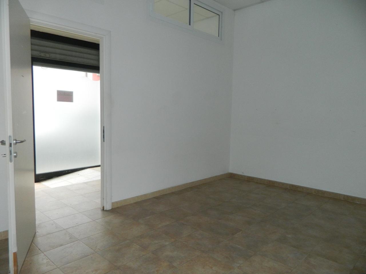 Locale commerciale - 1 Vetrina a Marina Di Carrara, Carrara Rif. 9446039
