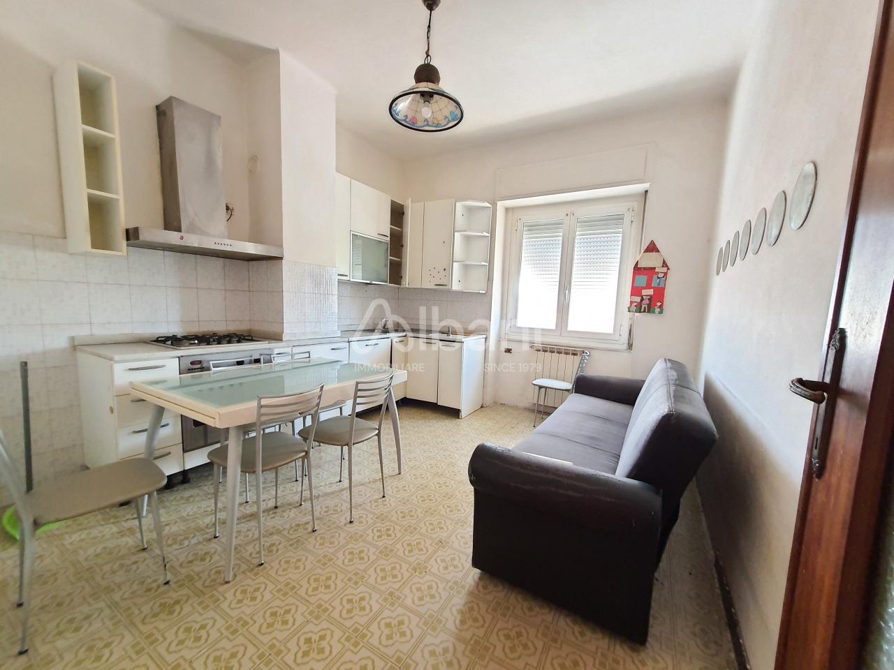 Appartamento in vendita a La Spezia, 3 locali, prezzo € 105.000 | PortaleAgenzieImmobiliari.it