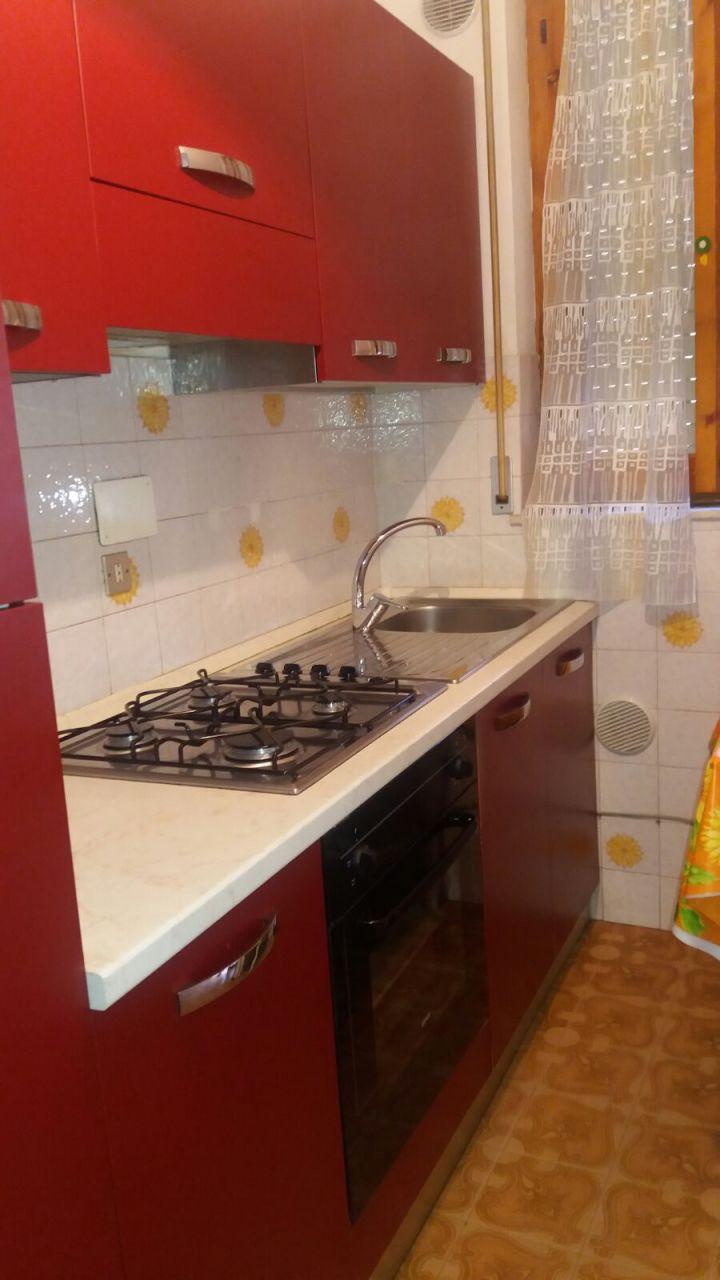 Trilocale in buone condizioni arredato in affitto Rif. 9957720