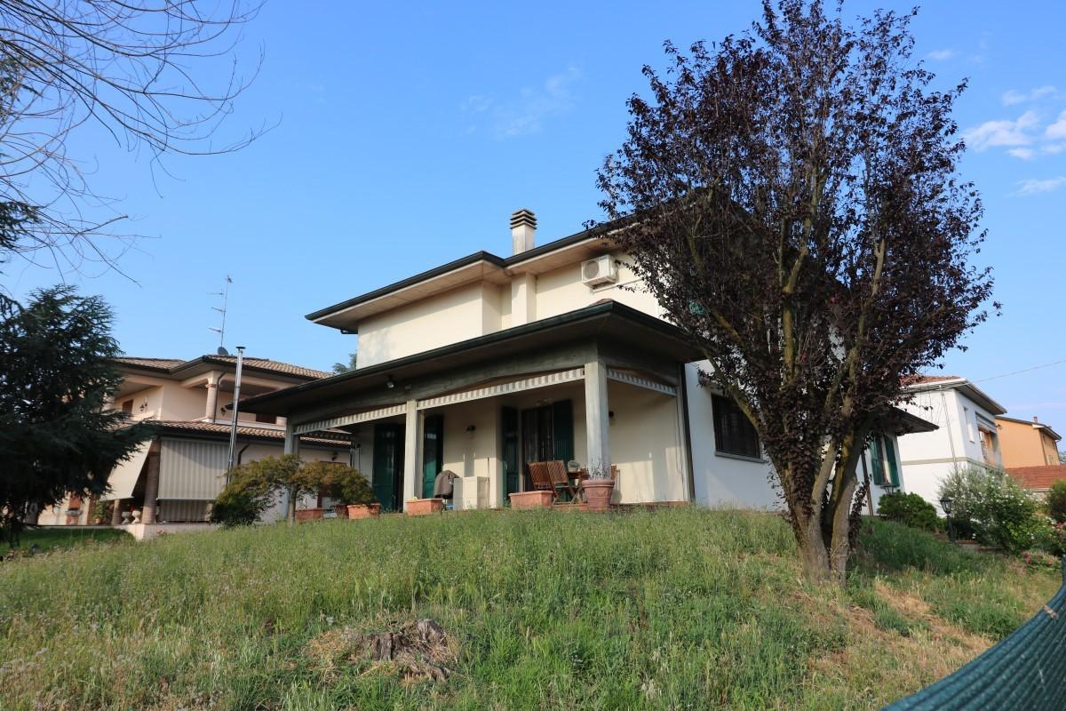 Casa Indipendente in ottime condizioni in vendita Rif. 4154787