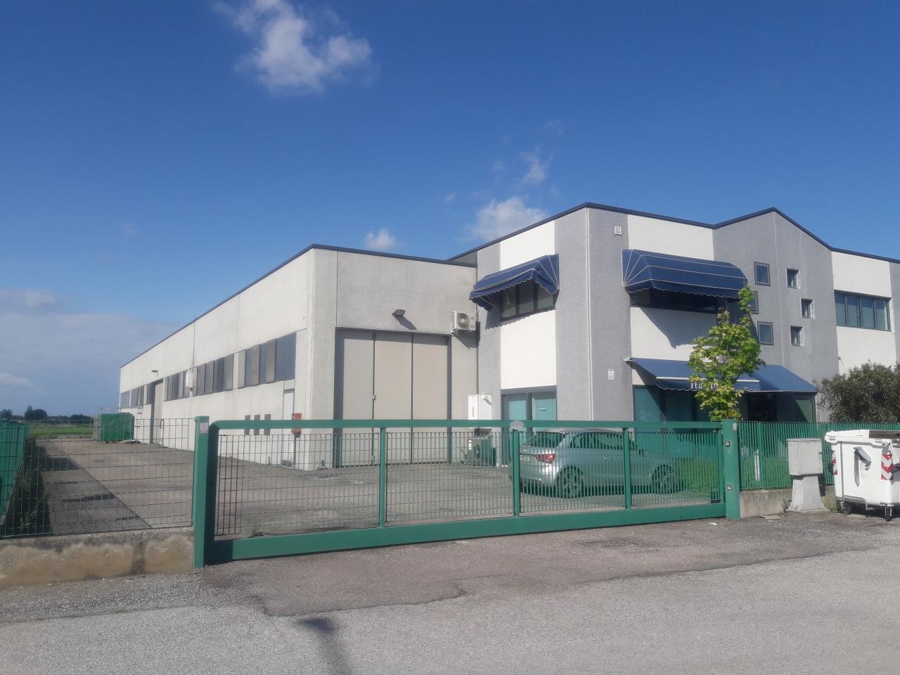 Capannone / Fondo - Industriale/Artigianale a Rovigo Rif. 12364428