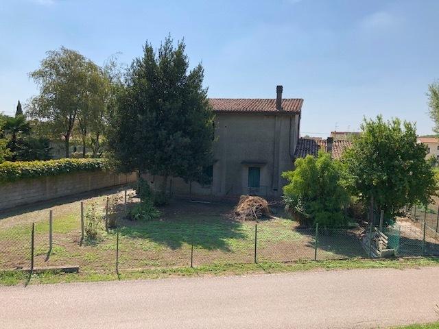 Soluzione Indipendente in vendita a San Martino di Venezze, 10 locali, prezzo € 65.000 | CambioCasa.it