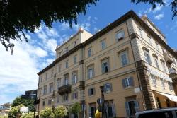 Appartamento in Vendita a Frascati, 930'000€, 450 m², con Box