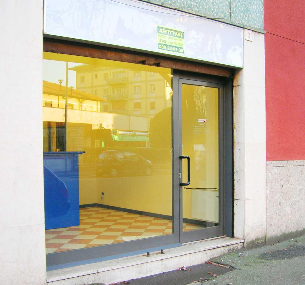 Locale commerciale - 1 Vetrina a CITTA' - Zona Est, Brescia