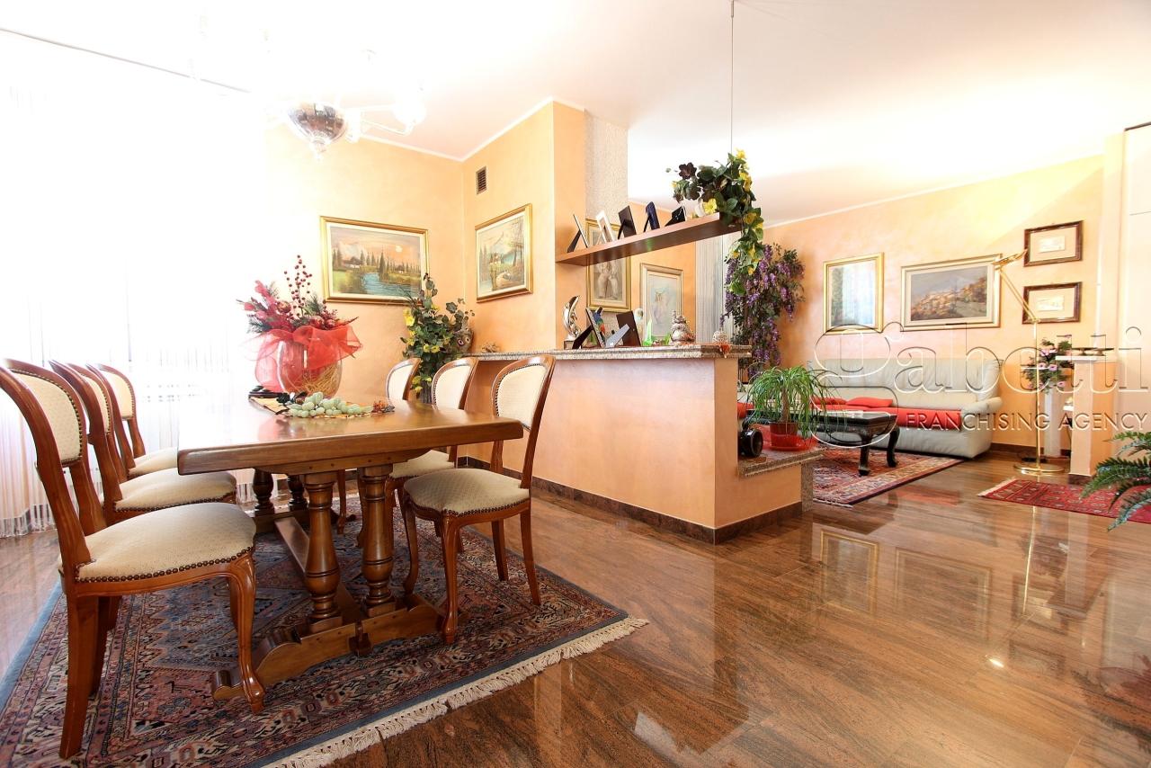 Porzione di casa in ottime condizioni in vendita Rif. 9173810