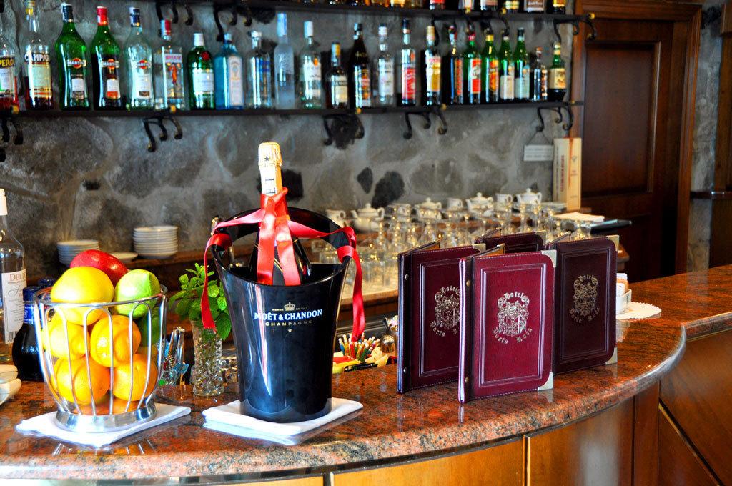Bar a Carrara Centro, Carrara Rif. 6203005