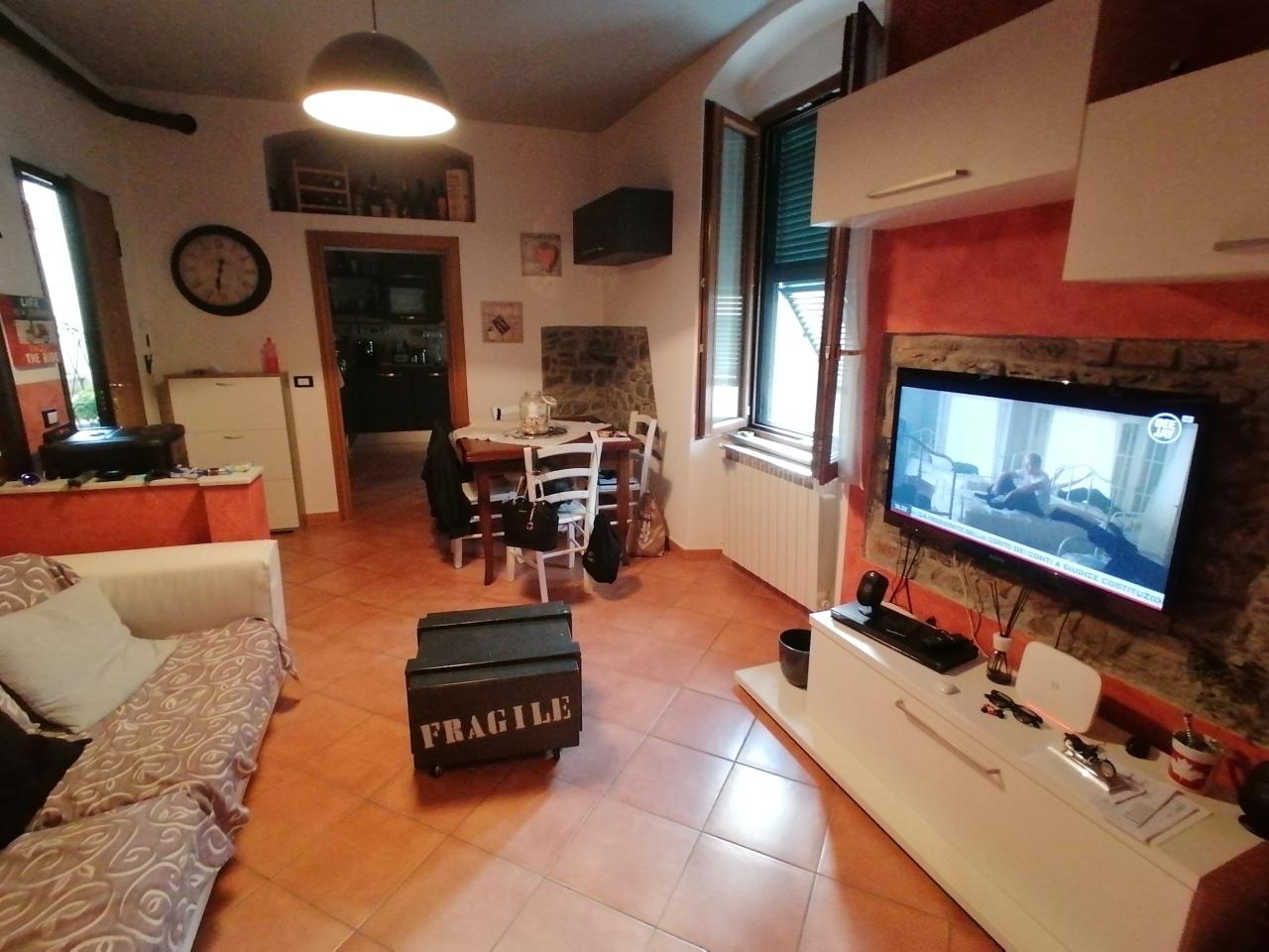 Appartamento in vendita a Santo Stefano di Magra, 3 locali, prezzo € 99.000 | PortaleAgenzieImmobiliari.it