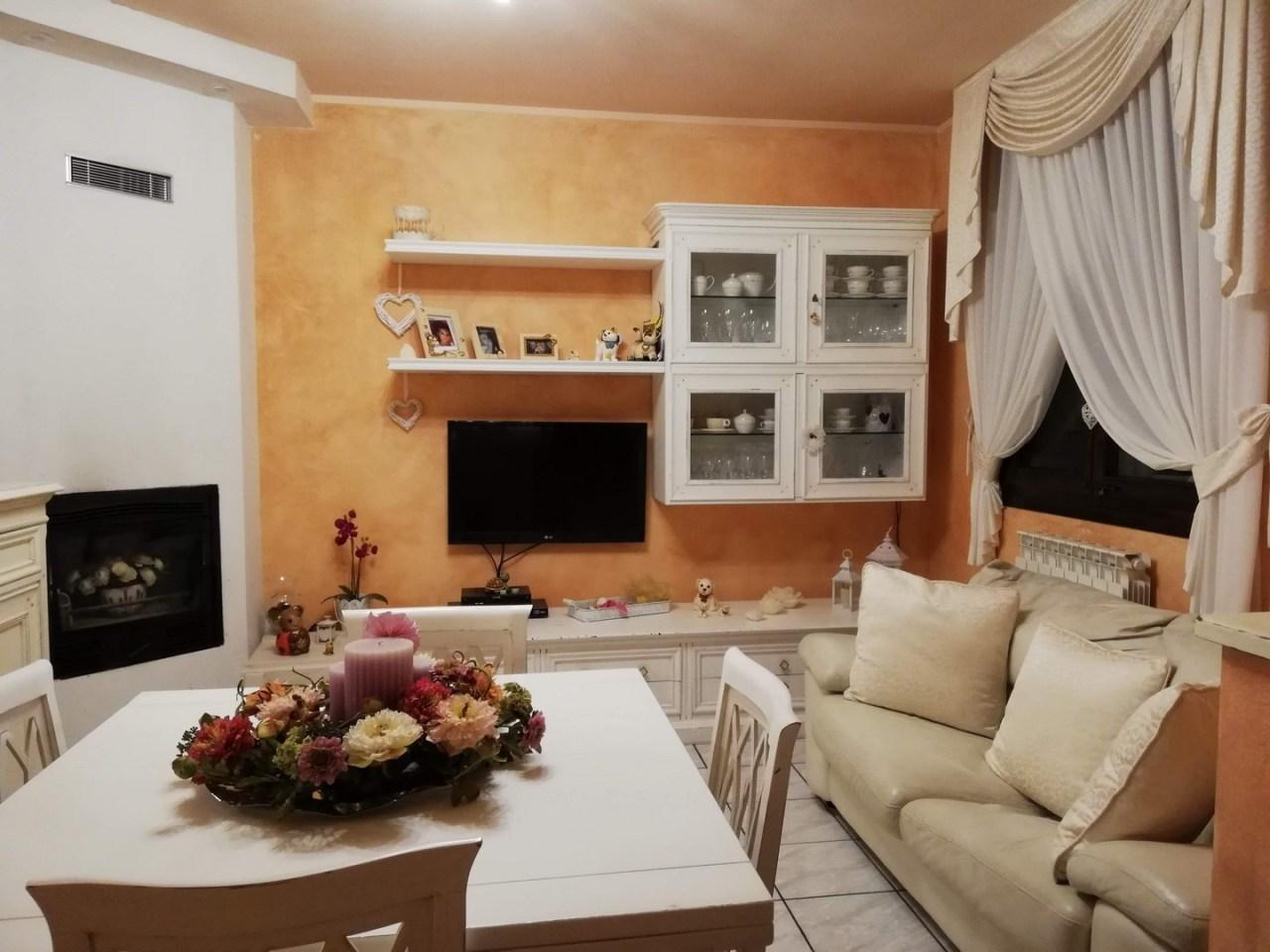 Casa Indipendente in ottime condizioni in vendita Rif. 10034674