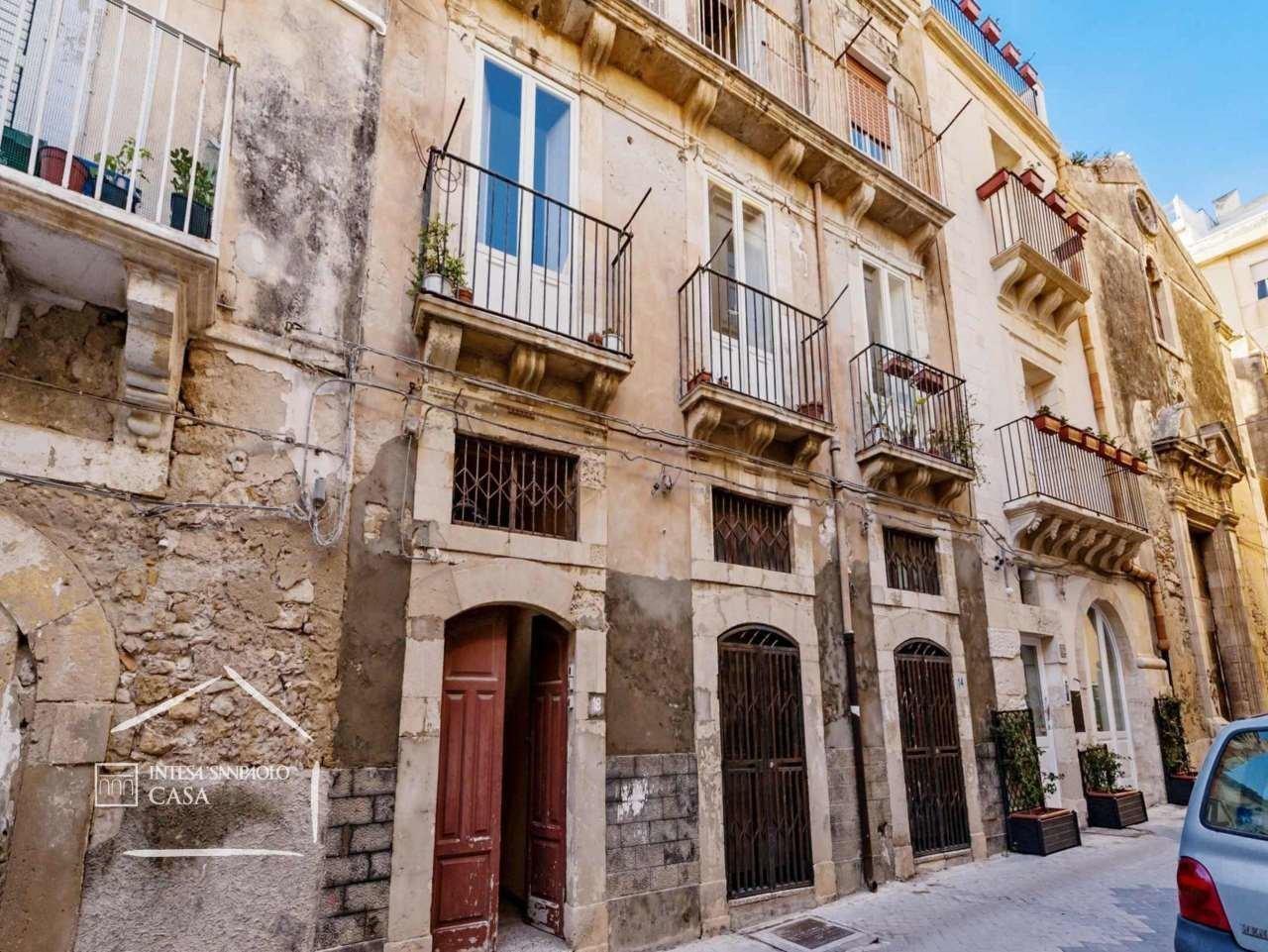 Casa Indipendente in buone condizioni in vendita Rif. 9871390