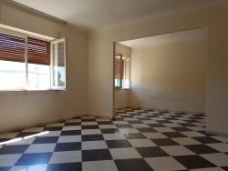 Appartamento in Vendita a Siracusa, zona Teracati Grotticelle, 120'000€, 192 m²