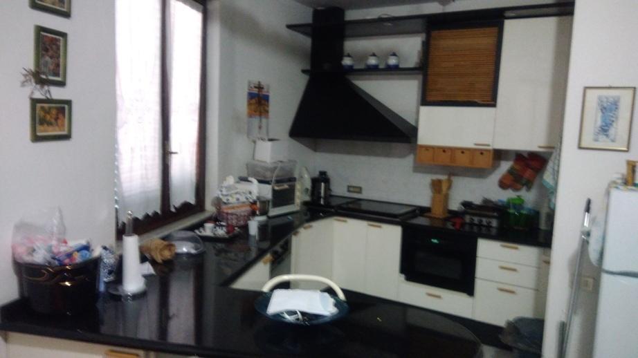 Appartamento in ottime condizioni in affitto Rif. 9095912