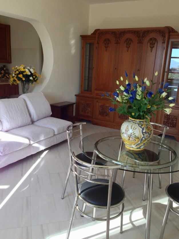 Appartamento in ottime condizioni in vendita Rif. 9268111