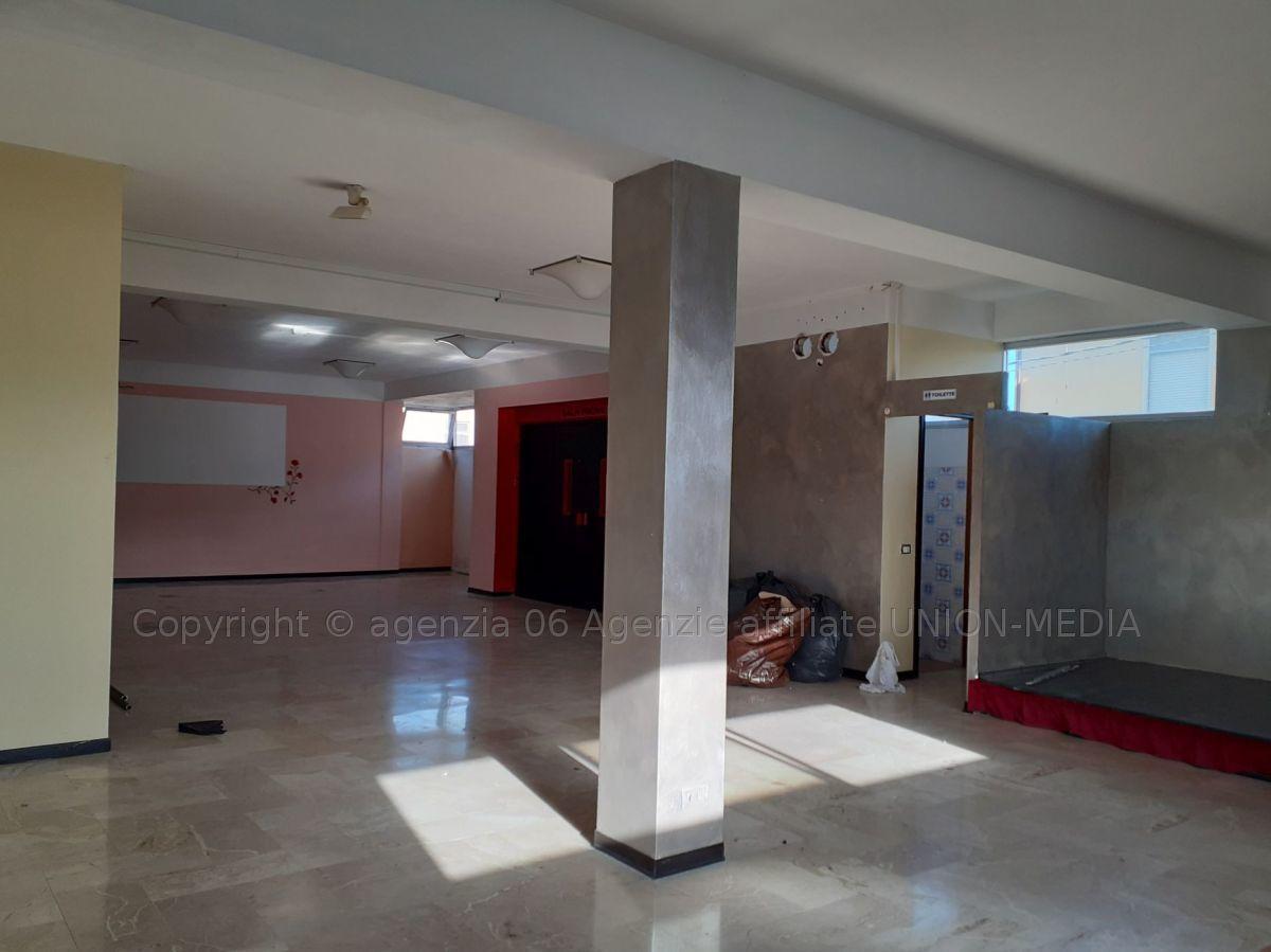 Capannone in vendita a Arcola, 3 locali, prezzo € 1.000 | PortaleAgenzieImmobiliari.it