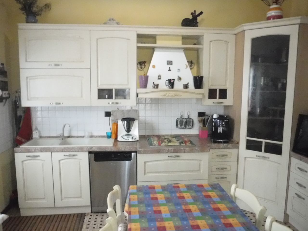 Appartamento in buone condizioni in vendita Rif. 9116299