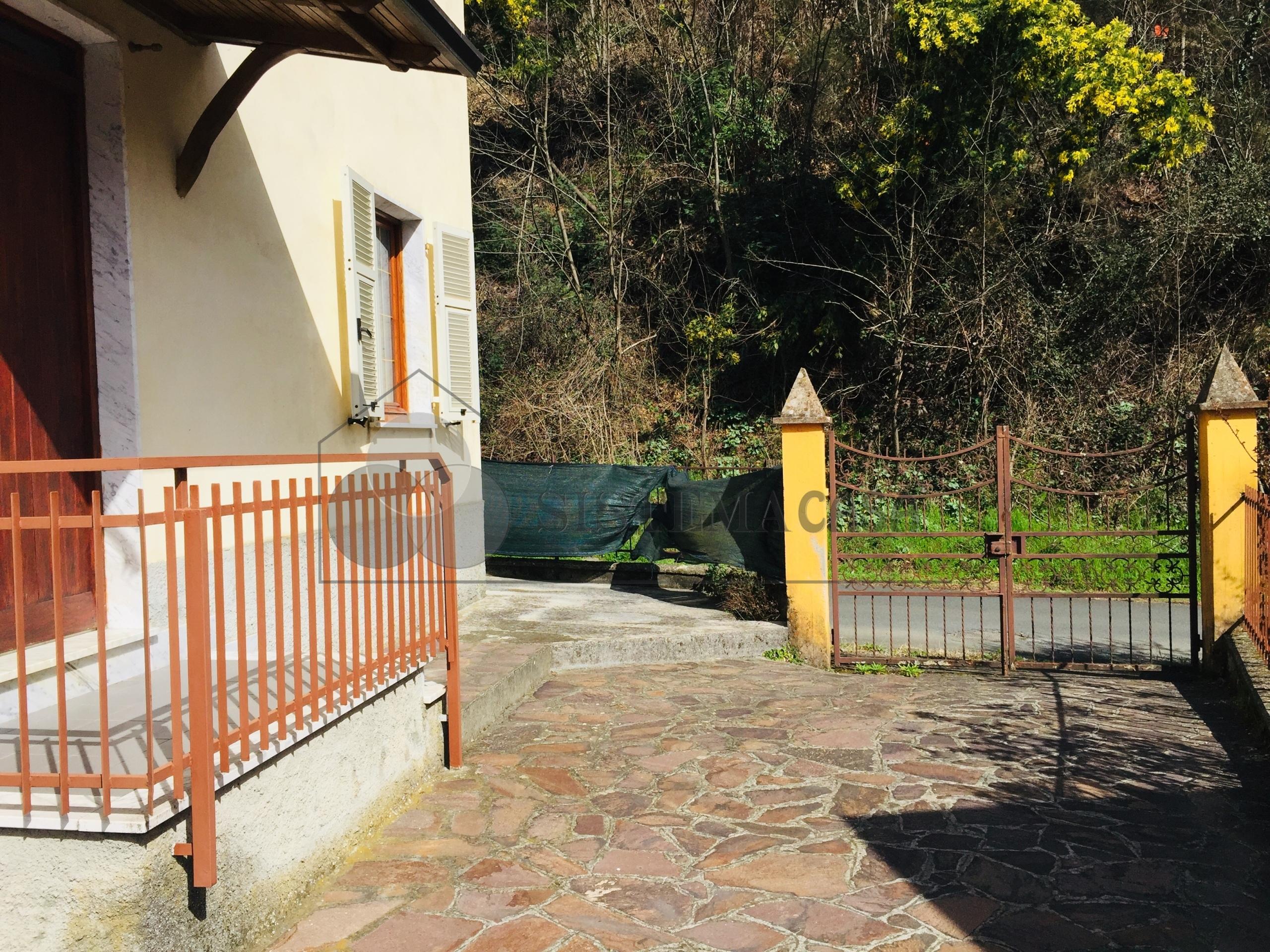 Vendita Indipendente Singola a Follo,  (SP) - RIF221