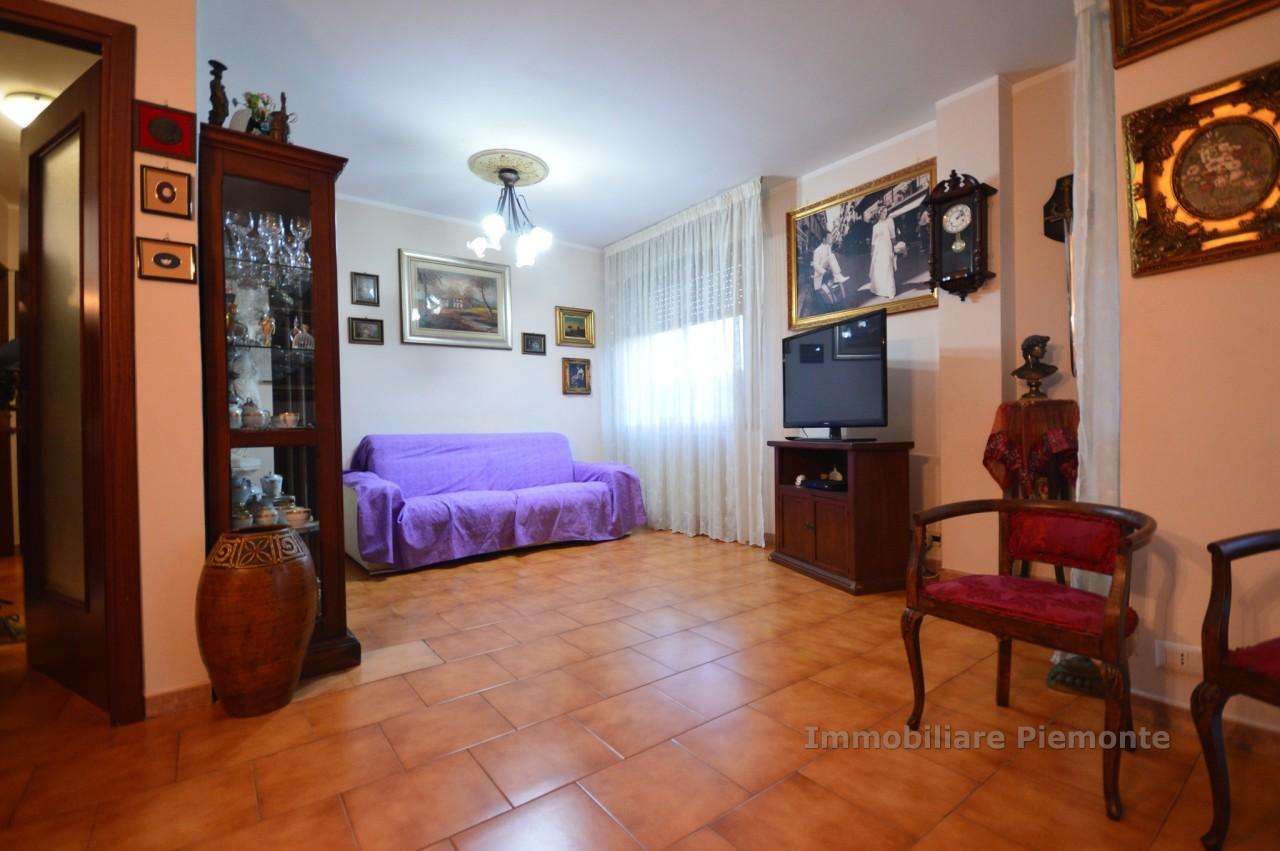 Appartamento in vendita a Borgomanero, 3 locali, prezzo € 105.000 | CambioCasa.it