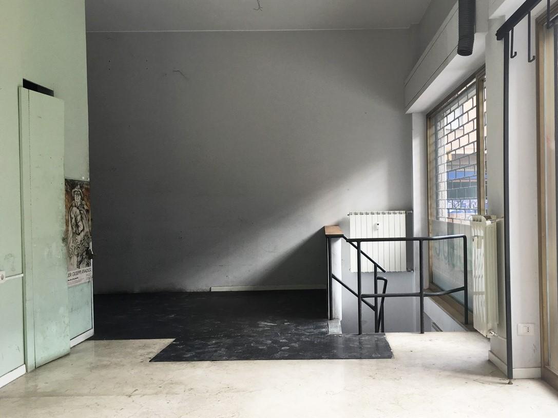 Locale commerciale - 2 Vetrine a Zona Centro, Brescia