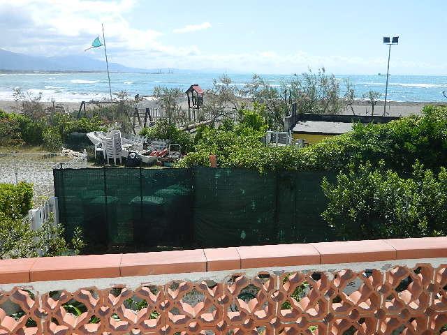 Appartamento in buone condizioni arredato in affitto Rif. 8352358